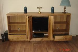 TV-kast eikenhout